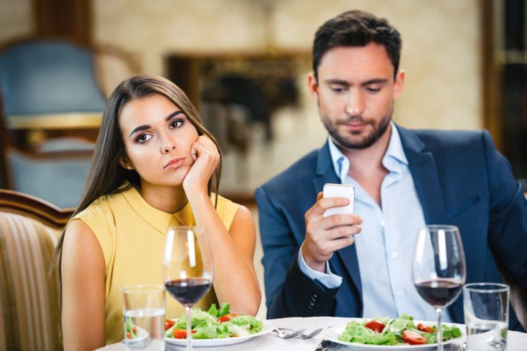 Why Mobile Phones are Ruining Relationships
